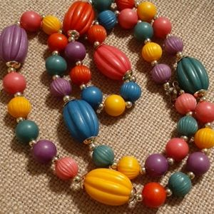 Jewelry - Vintage beaded necklace